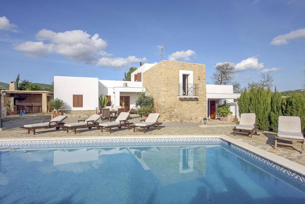 ibiza finca villa can parrell san carlos more villas near ibiza. Black Bedroom Furniture Sets. Home Design Ideas